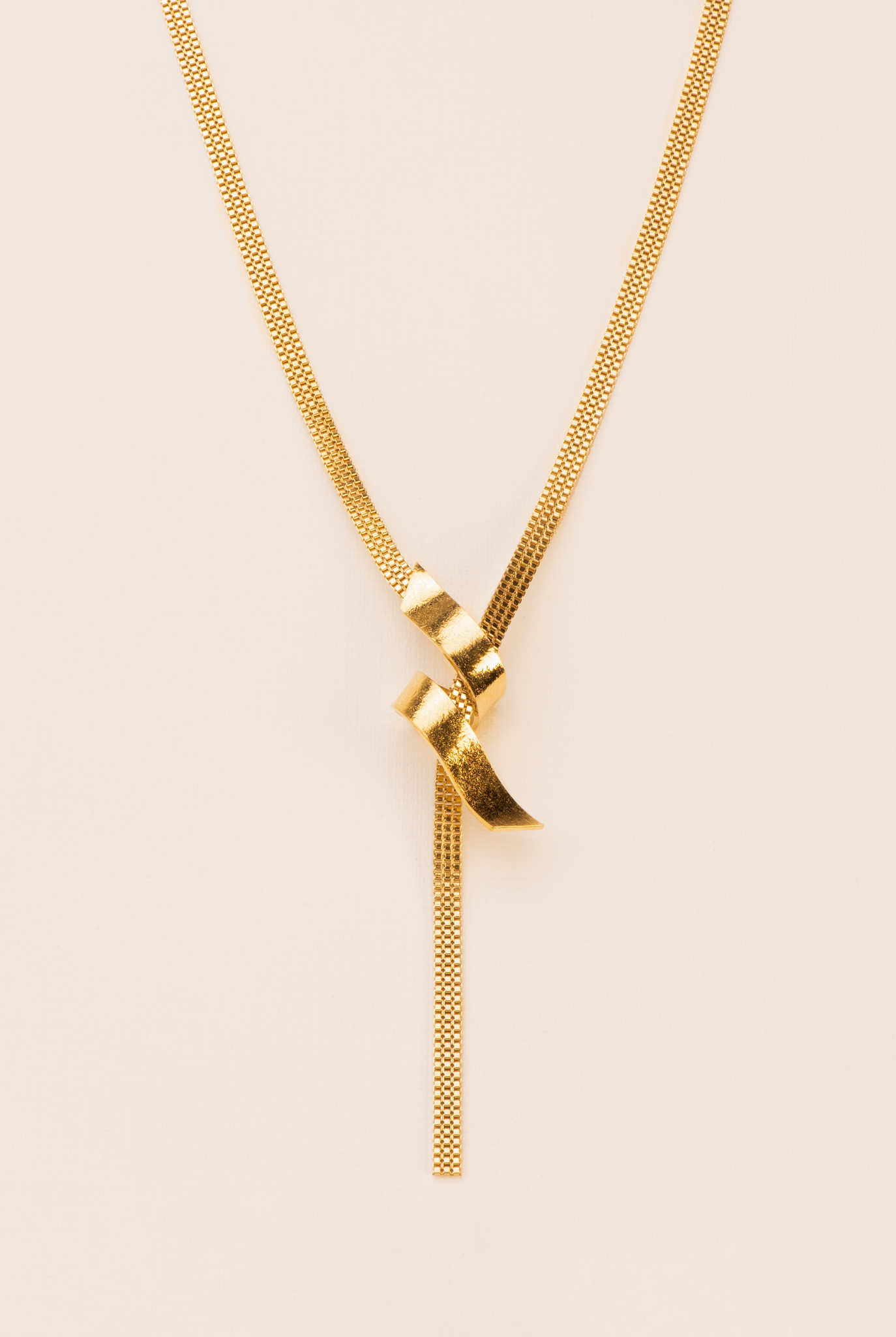 Long flat chain necklace with serpentine element gold plated