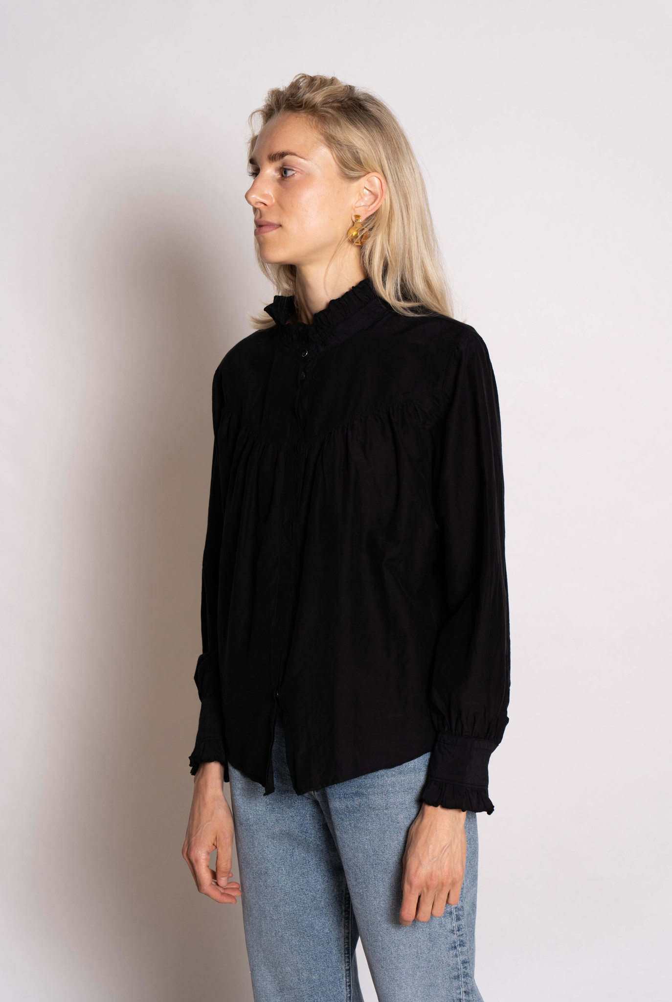 thin blouse ruffled collar black