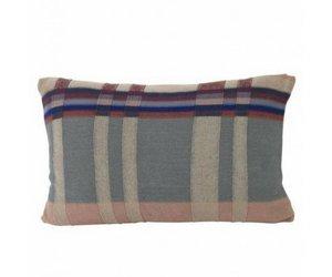 Ferm Living Kussen : Medley knit kussen large dusty blue vida design