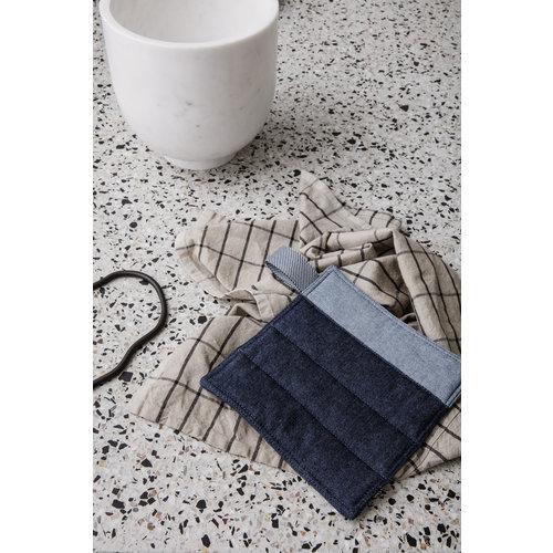 Ferm Living Hale keukenhanddoek zand/zwart linnen