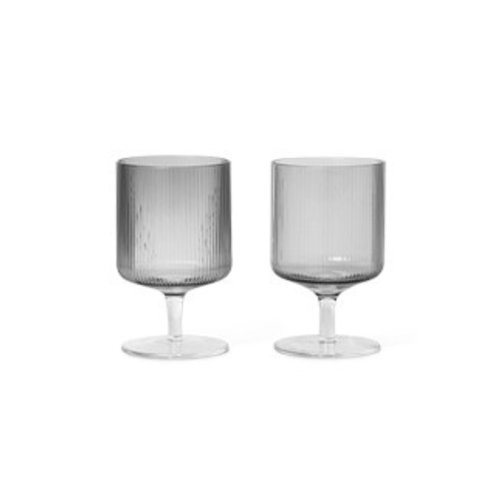 Ferm Living Ripple wijnglas smoked grey set van 2