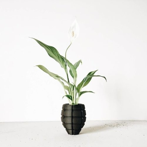 Minimum Design Grenade bloempot zwart Ø6