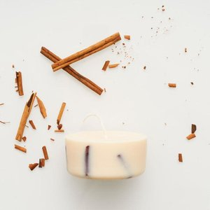 the Munio Cinnamon sojawas minikaars kaneelgeur