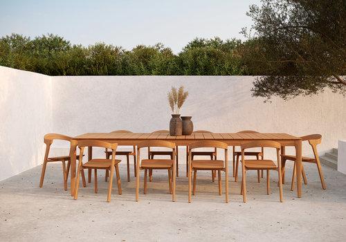 De kunst van het gezellig buiten zitten: deel 2. Tafels, stoelen en loungesets