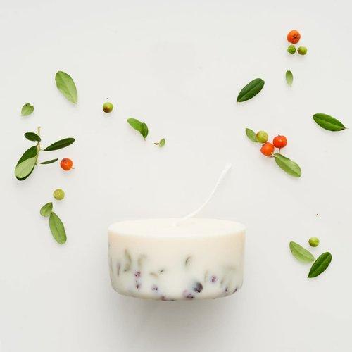 the Munio Ashberries & bilberry mini sojakaars lavendelgeur