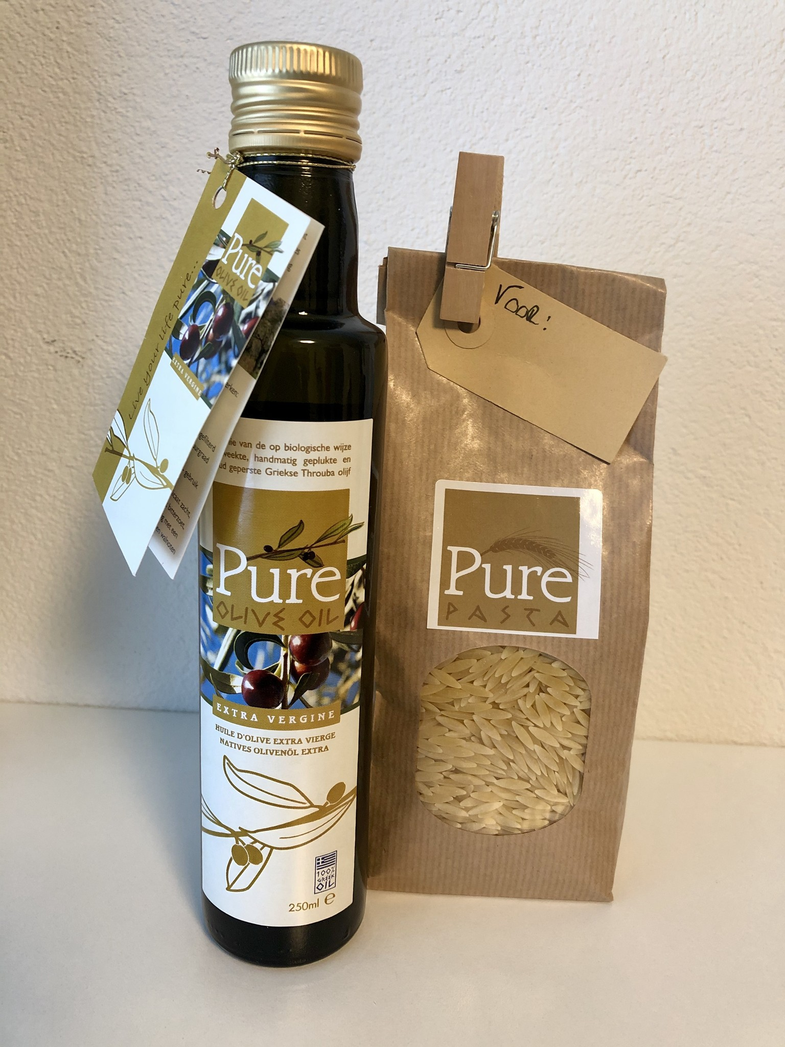 Geschenk  Pure Olive Oil 250 ml met Pure Pasta