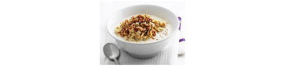 Porridge with nuts and cinnamon