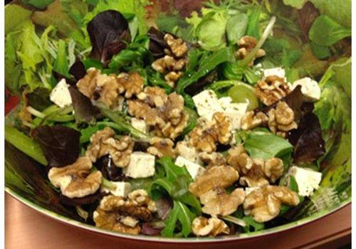 Salade van walnoten