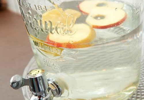 Fruitwater van Jessica Mendels