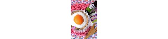 Vegan 'mirror egg' with a big fat wink