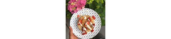 Coconut breakfast tartlet
