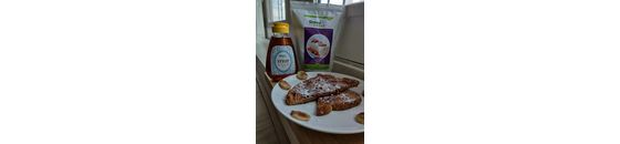French toast with hot banana and cinnamon