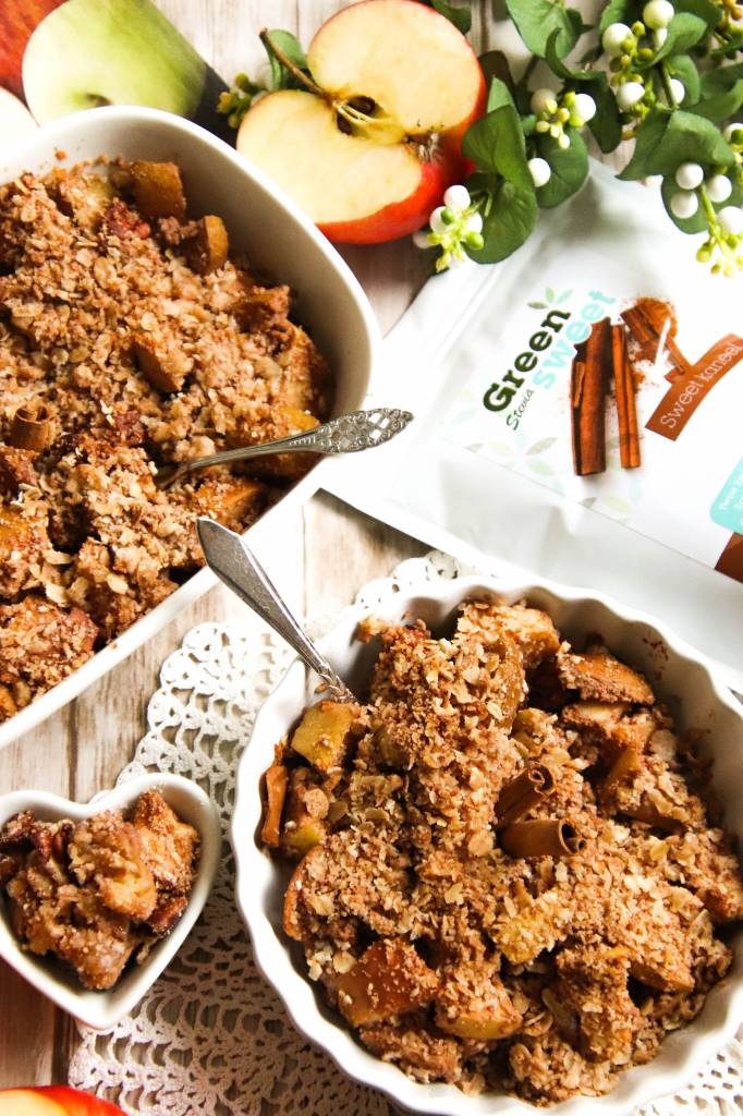 Apple crumble with greensweet cinnamon (1 of 1) .jpg