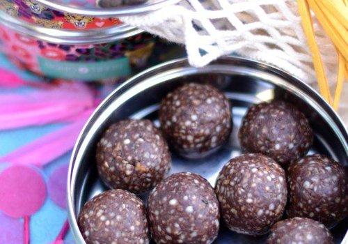 Pindakaas chocolade balletjes (snack)