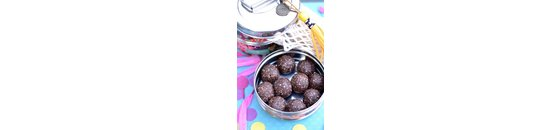 Peanut butter chocolate balls (snack)