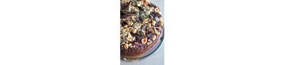 Banana choco cake with nuts