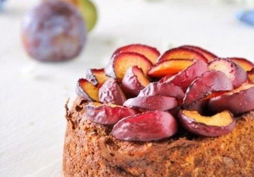Ontbijt taartje met pruimen