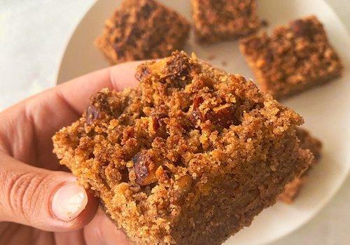Cinnamon crumble bars