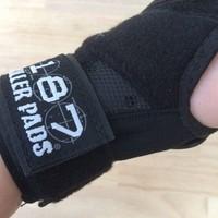 187 Derby Wrist Guard
