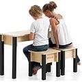 Kindertafeltje met 2 stoeltjes