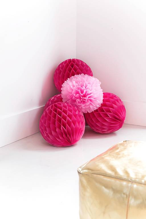 Fuchsia honeycomb ball set