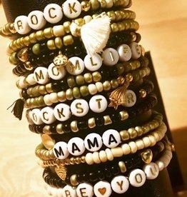 Kralen-armbandjes naar keuze