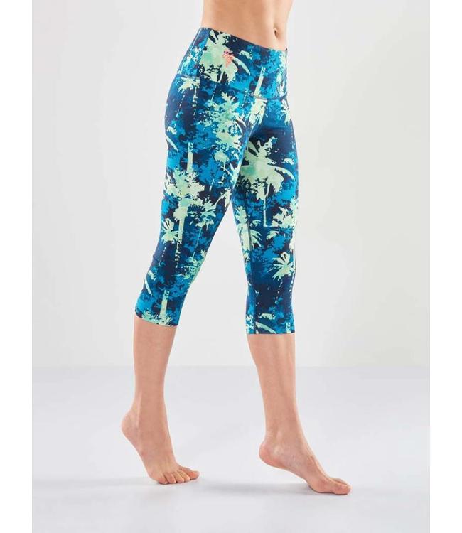 Urban Goddess Yoga Legging Satya Capri - Emerald