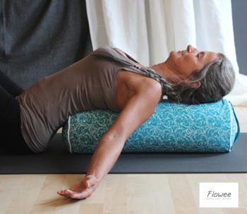 yin yoga bolster