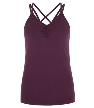 Asquith Yoga Top Conquer Cami - Berry