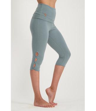 Urban Goddess Yoga Legging Shanti Capri - Jade