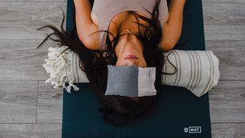 Yoga voor thuis: Hoe te beginnen met je nieuwe yoga routine