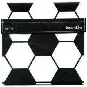Lunchskins voetbal: het milieuvriendelijke en herbruikbare boterhamzakje.