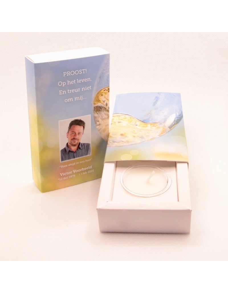 Uitvaartproducten RememberBox klein kartonnen schuifdoosje met kaarsje