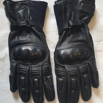 Pakistan gloves