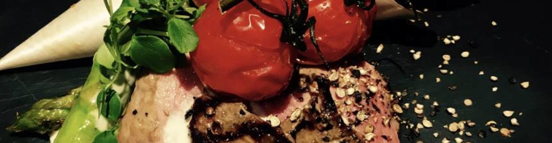Zebra steaks met kerrie Hollandaise saus