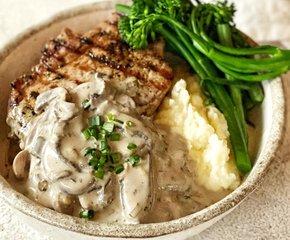 Ribeye steak met romige champignonsaus