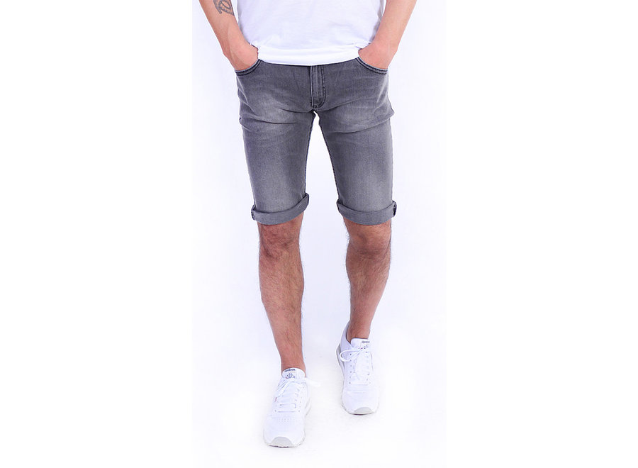Tapered-Fit Shorts aus Stretch-Denim 102