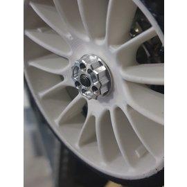 Wheel nuts with 3x grub screw