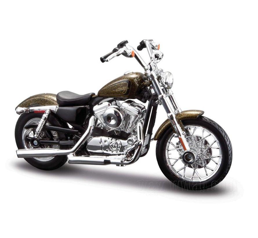 Harley Davidson Model XL1200V Seventy-Two 1:18
