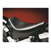 Le Pera Seat Silhouette DeLuxe Solo Smooth 08-up Softail (Fender Mount) 150mm Tire Fits: > 08-17 Softail