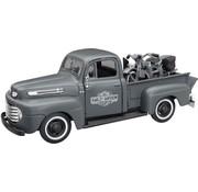 Maisto Ford 1948 F-1 Pickup/1942 WLA  1:24