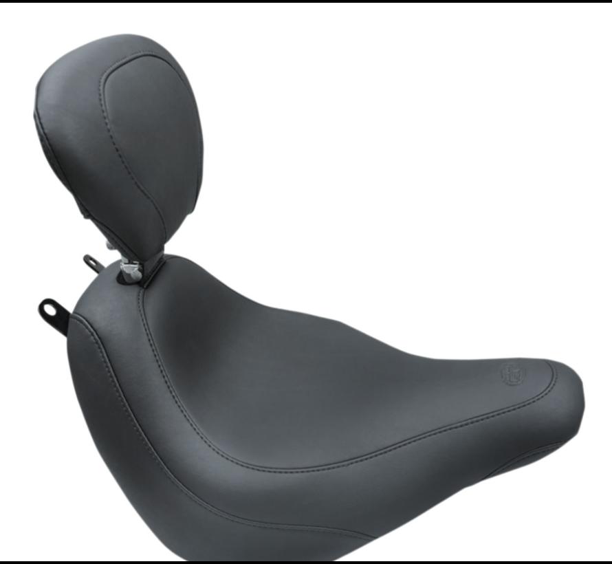 Mustang Wide Tripper™ Solo Seat met rugleuning Geschikt voor:> Softail 18‐21