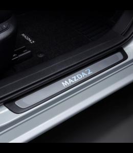Mazda 2 DJ ab 01.2020 Einstiegsblenden, Beleuchtet