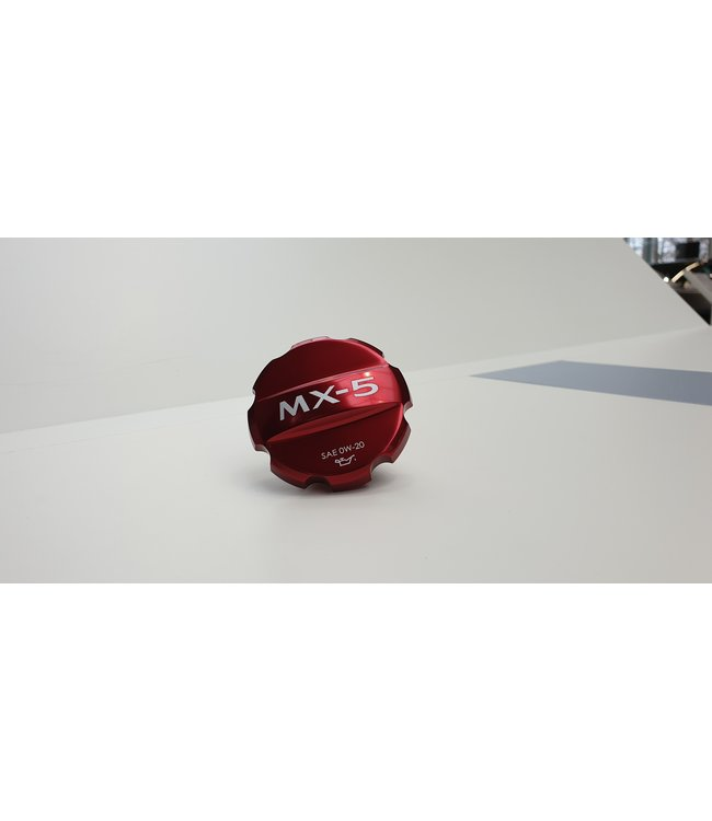 Mazda MX-5 ND Cover rot mit Logo Öleinfüllstutzen Öldeckel original