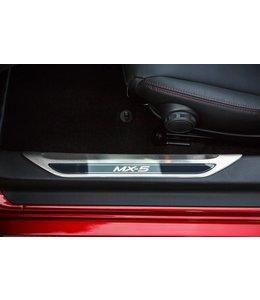 Mazda MX-5 ND Edelstahl Einstiegsblenden Leisten original 2-teilig