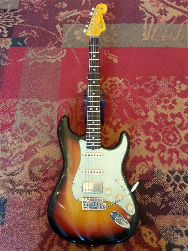 Fender Fender Custom Shop '65 Journeyman Strat HSS SB