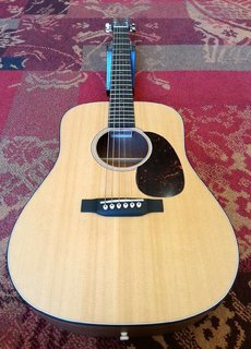 C. F. Martin & Co. Martin D JR. E Dreadnought Junior