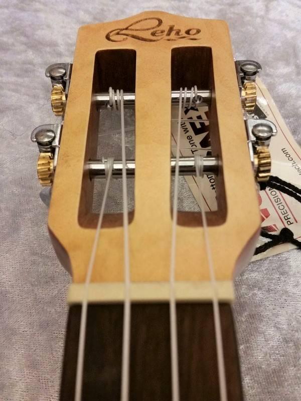 Leho  Leho Concerto Ukulele LHUC-FF Flamed Maple