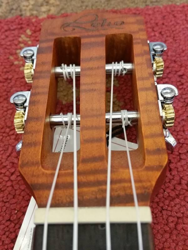 Leho Leho C-CF Concerto Ukulele Cedar/Flamed Maple