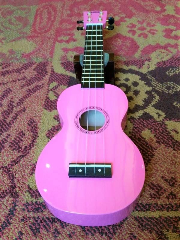 Mahalo Mahalo Soprano Ukulele MR1 Pink w/bag
